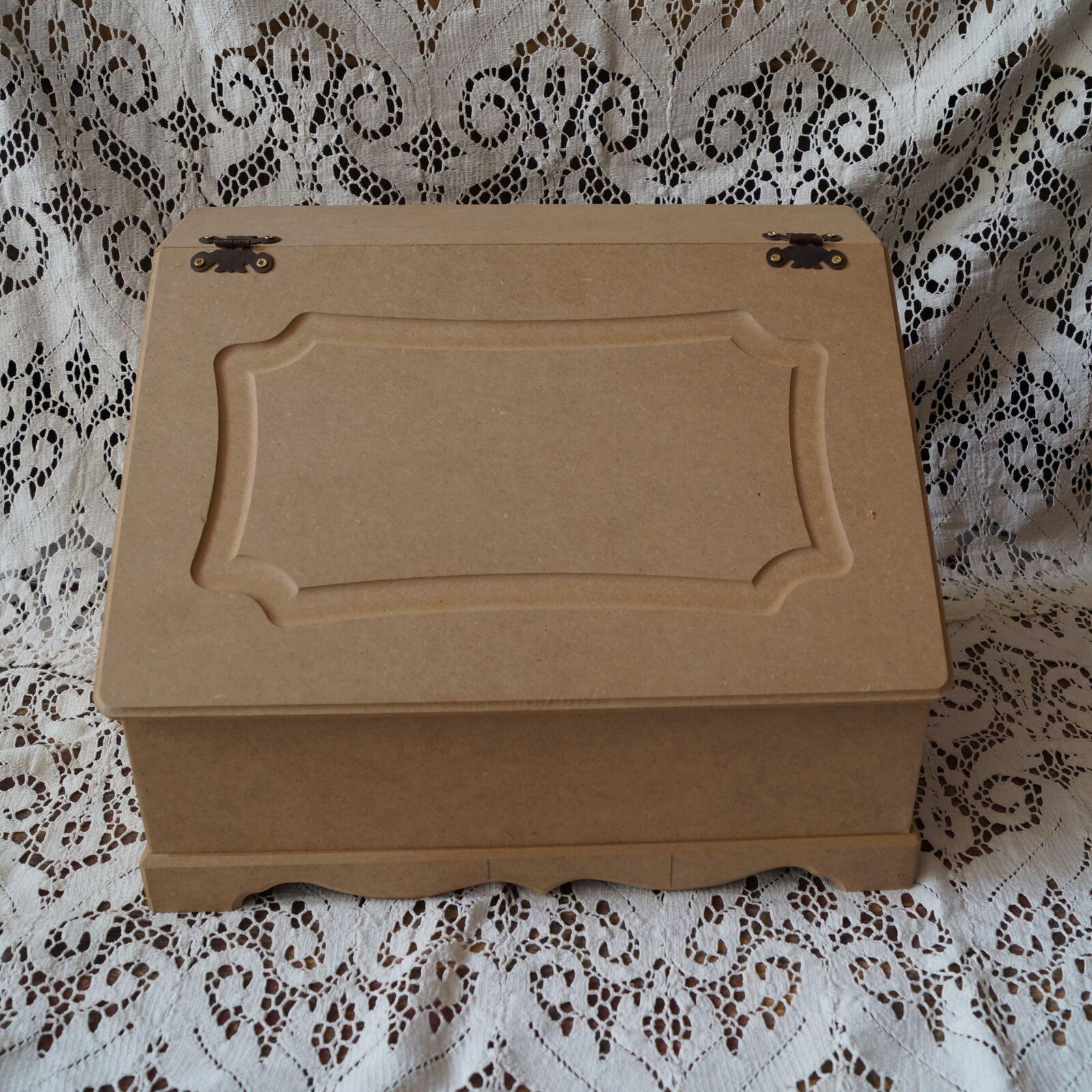 Kenyértartó doboz