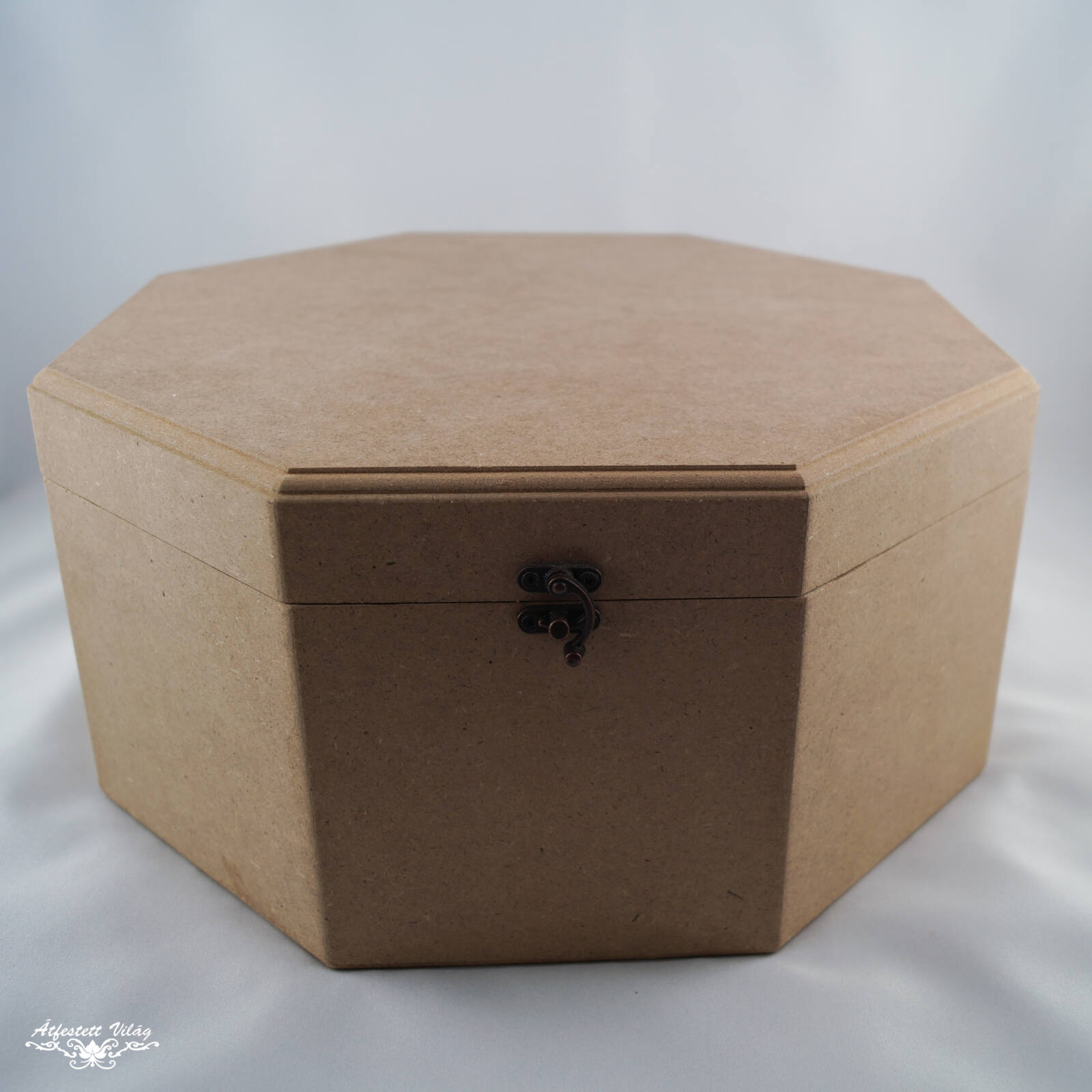 Nyolcszögletű doboz